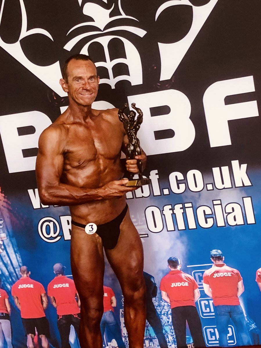 image of image: 6 of 32Tim poses at the 2019 BNBF Central Contest on his way to collect 3<sup>rd</sup> spot in the Over 50s category.