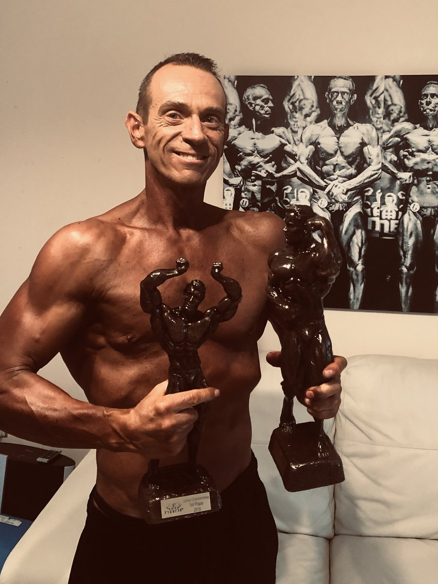 image of image: 10 of 32Tim poses at the 2019 BNBF Central Contest on his way to collect 3<sup>rd</sup> spot in the Over 50s category.