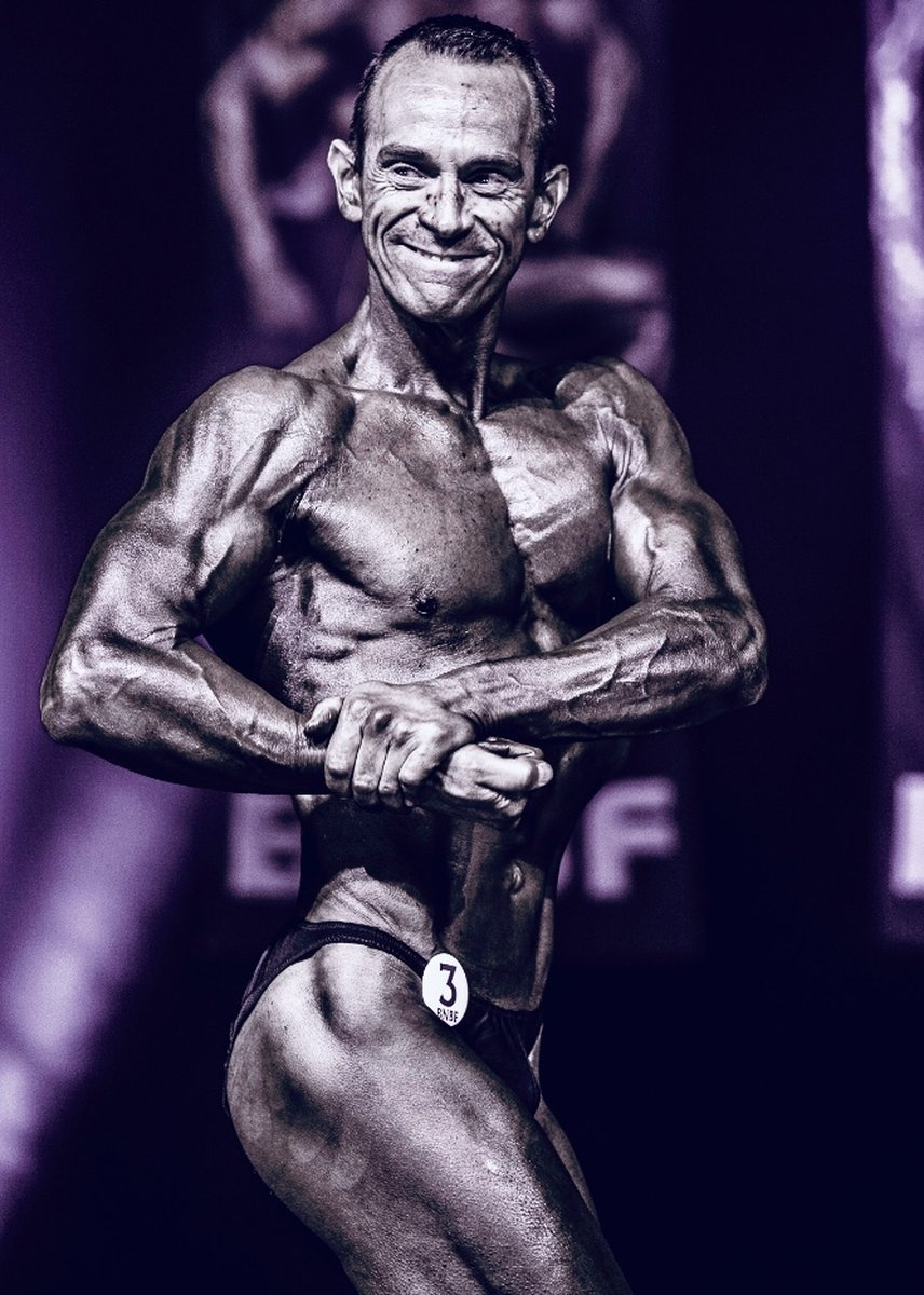 image of image: 14 of 32Tim poses at the 2019 BNBF Central Contest on his way to collect 3<sup>rd</sup> spot in the Over 50s category.