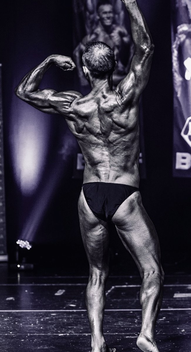image of image: 15 of 32Tim poses at the 2019 BNBF Central Contest on his way to collect 3<sup>rd</sup> spot in the Over 50s category.