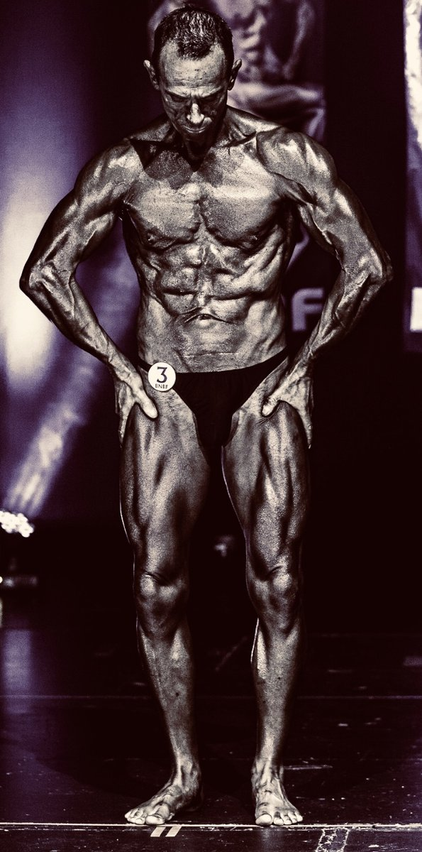 image of image: 18 of 32Tim poses at the 2019 BNBF Central Contest on his way to collect 3<sup>rd</sup> spot in the Over 50s category.
