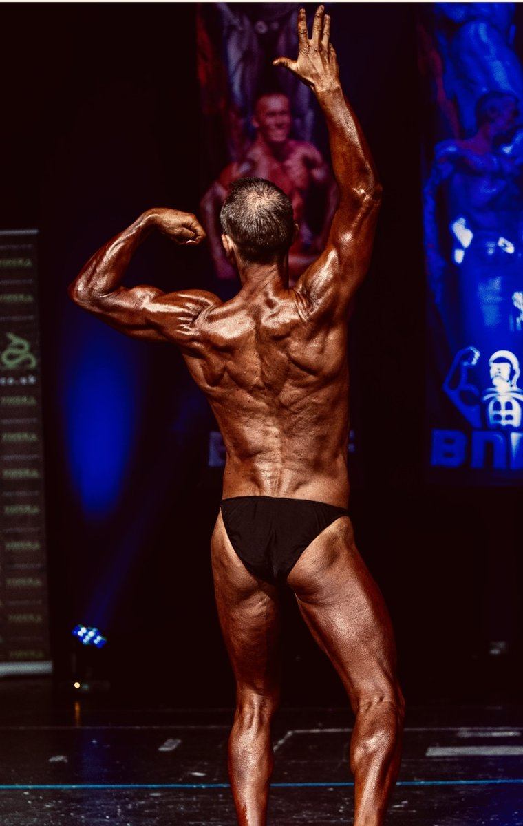 image of image: 21 of 32Tim poses at the 2019 BNBF Central Contest on his way to collect 3<sup>rd</sup> spot in the Over 50s category.