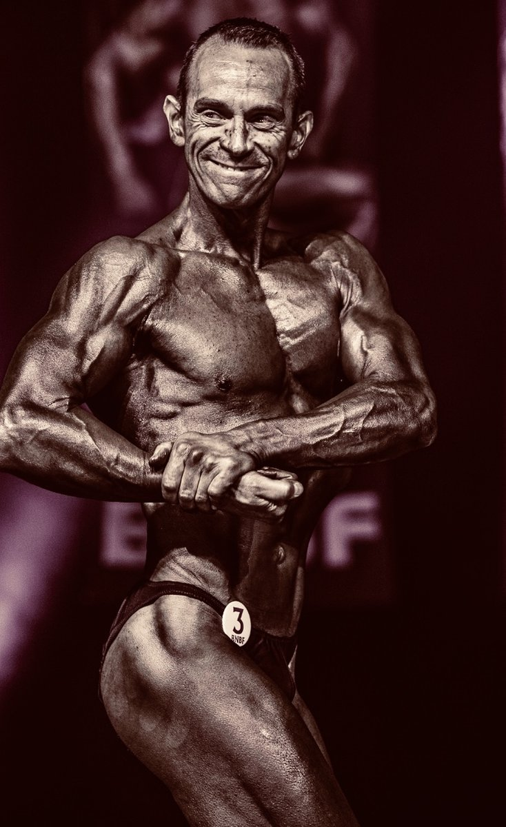 image of image: 22 of 32Tim poses at the 2019 BNBF Central Contest on his way to collect 3<sup>rd</sup> spot in the Over 50s category.