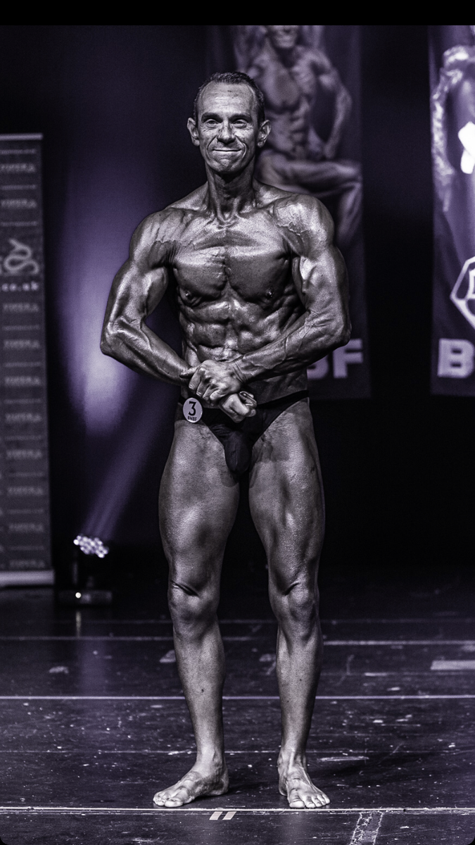 image of image: 24 of 32Tim poses at the 2019 BNBF Central Contest on his way to collect 3<sup>rd</sup> spot in the Over 50s category.