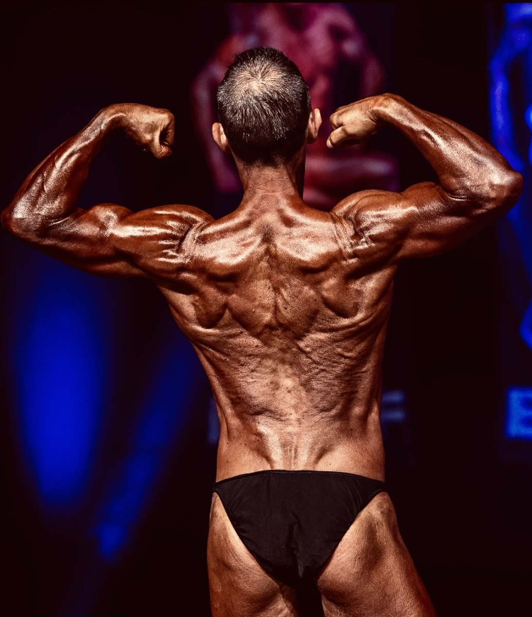 Image of Tim poses at the 2019 BNBF Central Contest on his way to collect 3<sup>rd</sup> spot in the Over 50s category.